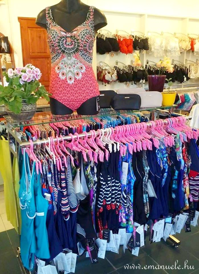 Fürdőruha - Egyrészes, alakformáló, mélyen kivágott, szivacsos, merevítős, állítható pántos. Yaffa, Carib Swimwear, Origami Bikini, Bahama.